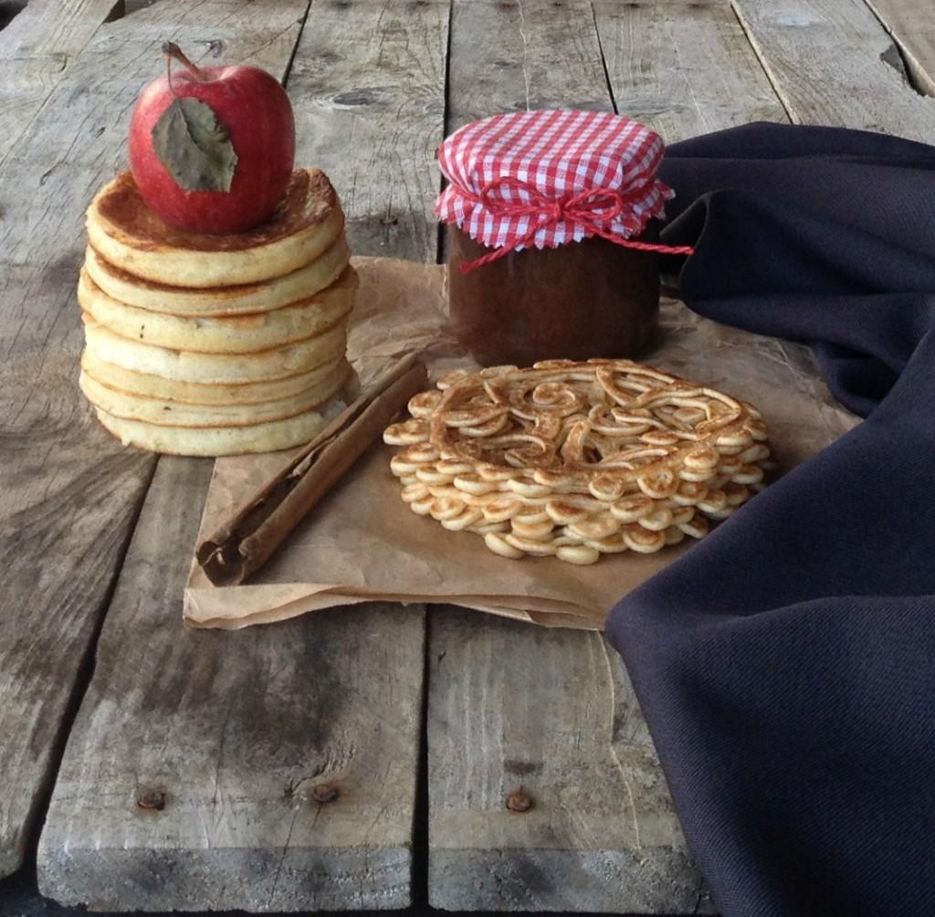 tortitas de manzana y encaje de tortitas