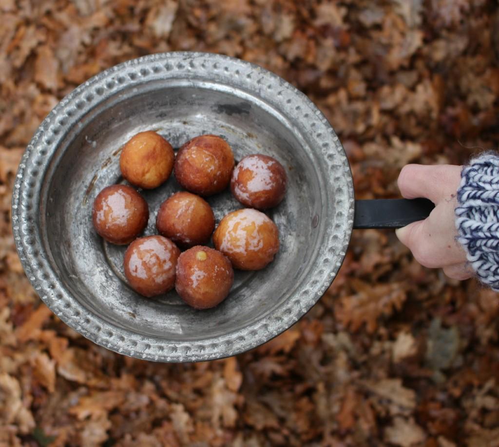 bolas de donuts rellenas de lemon curd
