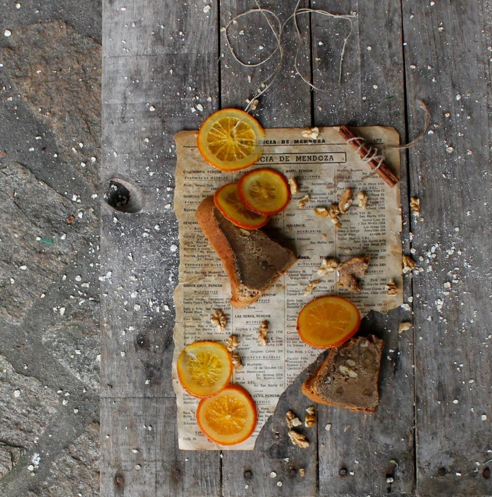bizcocho de canela, naranja y nueces